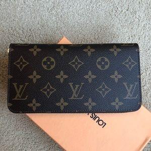 LV brand new wallet